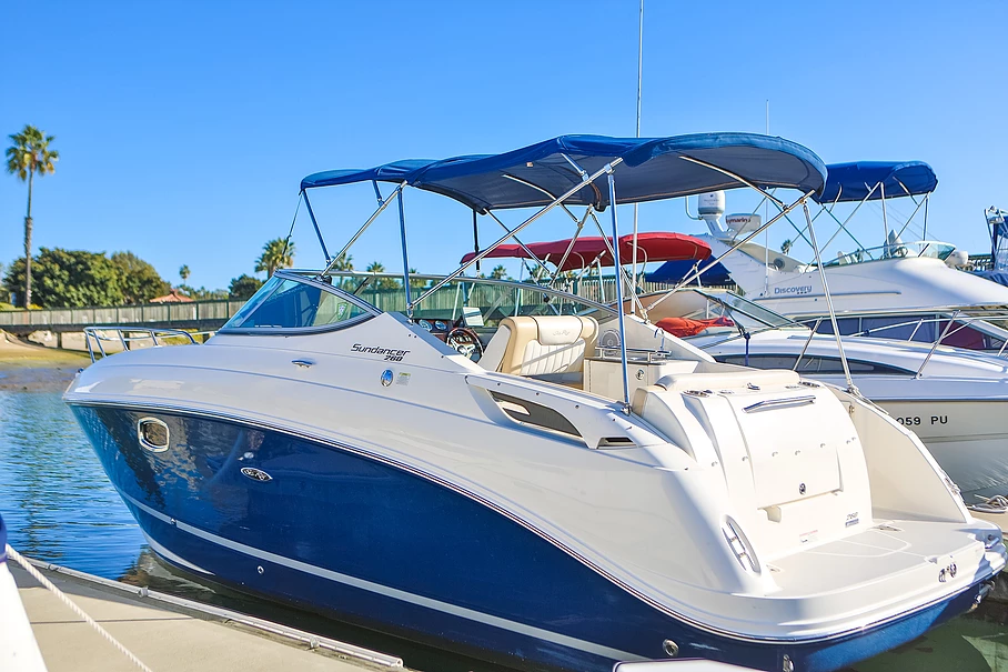 Hire Luxury 2012 Sea Ray 260 Sundancer Yachts - Boats for Rent