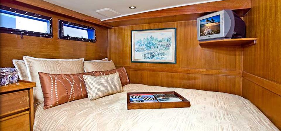 luxury-yacht-2bedroom