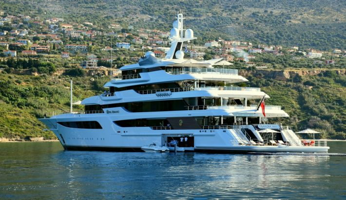 Why Rent a Luxury Yacht?